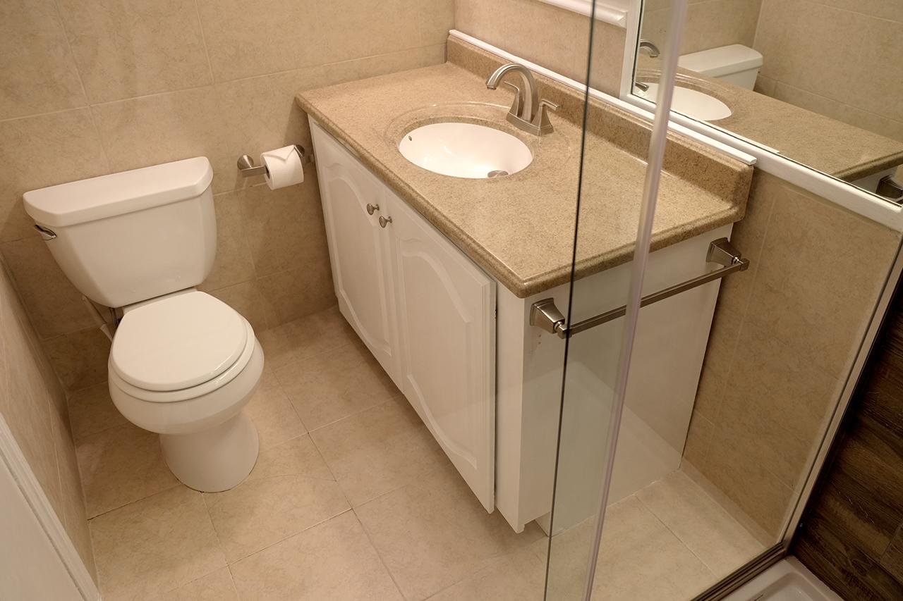 East Bathroom & Shower - 102 South Kings Rent House